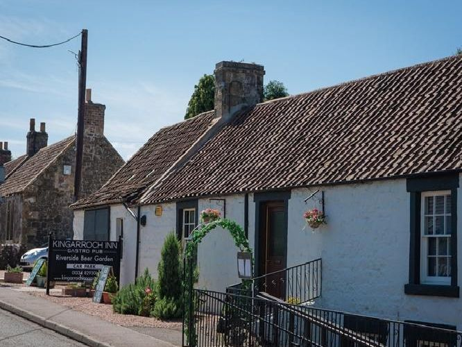 This modern country pub is on the market for an asking price of 35,000. Significantly modernised in the last two years by the current owners, the pub now includes two letting opportunities.