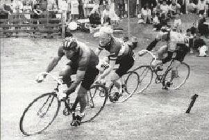Sandy Williamson in the lead