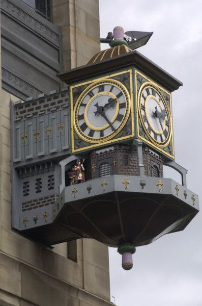 Iconic clock to be restored under Johnnie Walker whisky centre plans