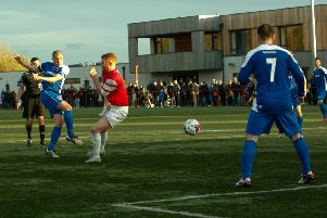 Michael Gemmell fires home Bo'ness United's second goal at Broxburn. Picture: Toby Williams