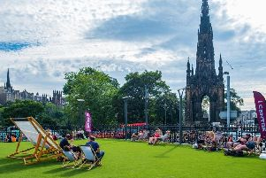 Celebrate the end of Edinburgh's Festival and Fringe with one last sunny evening (Photo: Shutterstock)