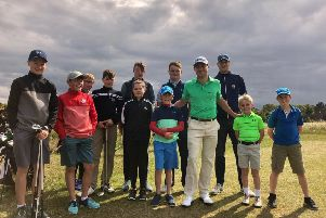 Justin Thomas meets some of the local juniors