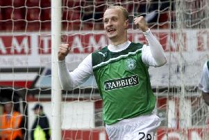 Former Hibs star Leigh Griffiths has thanked those who helped in his battle with depression after he made a return to football.