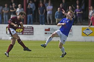 Danny Smith fires the ball home for Linlithgow Rose's opener. Pic: TSPL