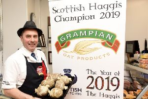 Tom with his prizewinning haggis. Pic by Fife Photo Agency