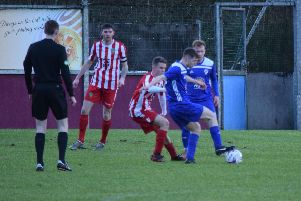 Kirkintilloch Roy Roy and Largs Thistle fought out a 2-2 draw (pic by Neil Anderson)
