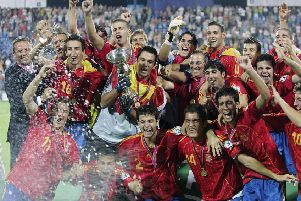 The Spanish team celebrate after winning the gold medal of the UEFA Under 19 Championships  after the match against Scotland 2:1 in Poznan 29 July 2006. AFP PHOTO / JANEK SKARZYNSKI (Photo credit should read JANEK SKARZYNSKI/AFP/Getty Images)