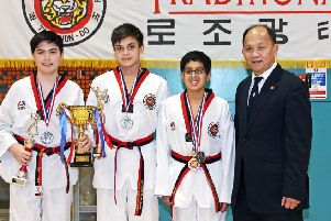 Bearsden medal winners with grandmaster TK Loh
