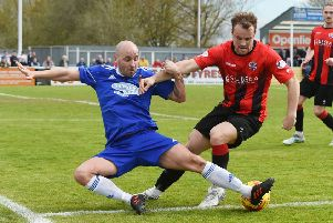 Cove Rangers' Paul McManus tackles Cowdenbeath's Jamie Pyper. Picture: SNS.
