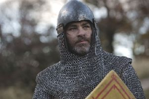Chris Pine as Robert the Bruce in 'Outlaw King''.