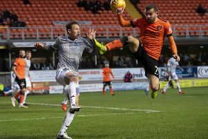 Dundee United's Paul McMullan, right, battles with James Craigen. Picture: SNS.