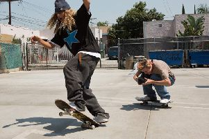mid90s is the directorial debut from Jonah Hill, and tells the coming-of-age story of a young LA kid who falls in with a pack of teenage skateboarders
