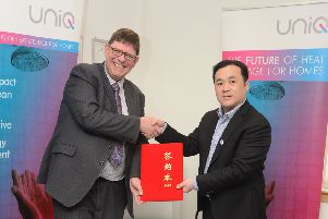 Sunamp CEO Andrew Bissell (left) with Gomon deputy general manager Tingwei Fan. Picture: Jon Savage