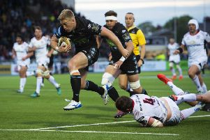 Kyle Steyn runs through to score 'Glasgow Warriors' fifth try. Picture: SNS
