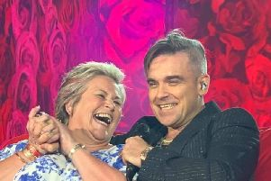 Robbie Williams serenades Falkirk superfan