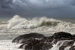 A Met Office yellow weather warning is in place for parts of Scotland, as a spell of very strong winds is set to hit western parts of Scotland during Monday night (3 Feb)