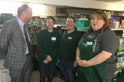 Mp Encourages Foodbank Donations Linlithgow Journal And
