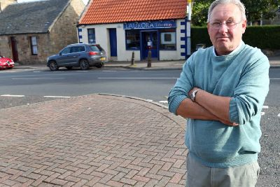 Parking is 'accident waiting to happen' - Midlothian Advertiser