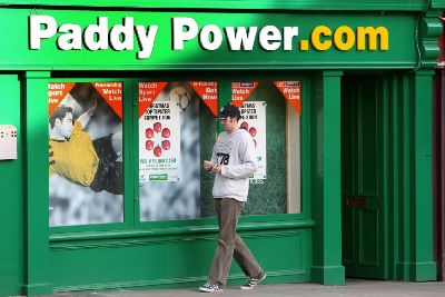 Roy Keane sues Paddy Power over Braveheart ad - The Scotsman