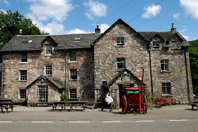 The Drovers Inn >> 6 Munro Walks With Good Pubs At The End The Scotsman