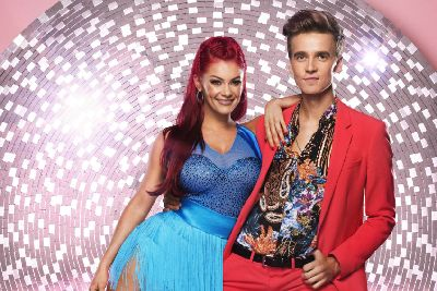Who is dating who on strictly come dancing
