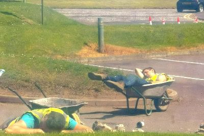 Scottish radio DJ takes hilarious pic of builders sleeping