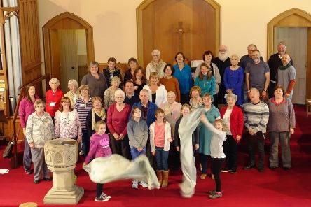 The full cast of Get Up and Tie Your Fingers Eyemouth