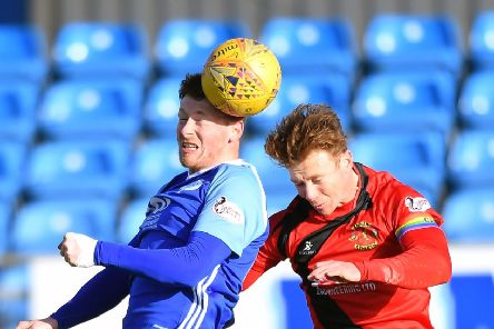 SCOTTISH LEAGUE 2'PETERHEAD V ANNAN ATHLETIC'(DUNCAN BROWN)''PETERHEAD'S SHANE SUTHERLAND AND SCOTT HOOPER CLASH