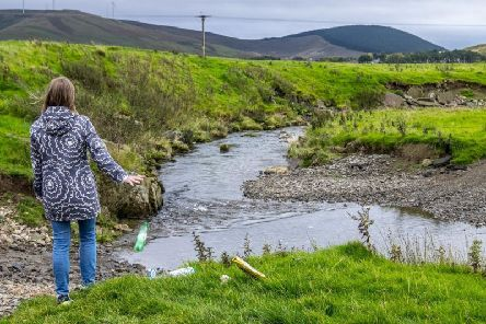 The world-renowned nature cameraman Doug Allan has thrown his support behind an 18-month Upstream Battle campaign launched by Keep Scotland Beautiful