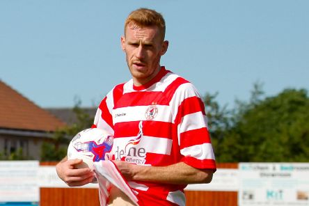 Dean Hoskins get Bonnyrigg off and running