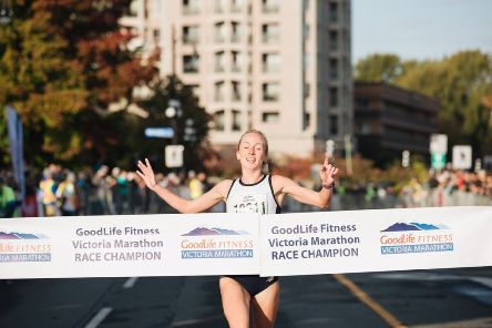 Lothian Running Club's GB internationalist Sarah Inglis retained her title in the Goodlife Fitness Victoria Marathon Festival 8k (pic: Brynn Feather Visuals)