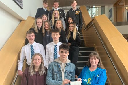 Auchmuty High School pupils presented Team Jak with a cheque for �250.