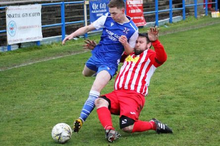 The Newburgh defence ensure there's no way through for Armadale. Pic Graham Strachan.