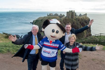 The leaders of Aberdeenshire and Aberdeen City Councils with the tour's mascot