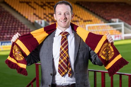 Donald Jennow is quitting his role as Motherwell FC women's head coach