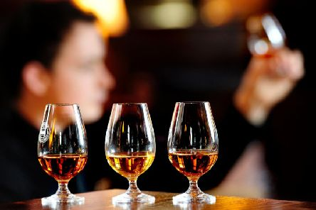 Dram good night in Glasgow for whisky buffs - and hospice will benefit