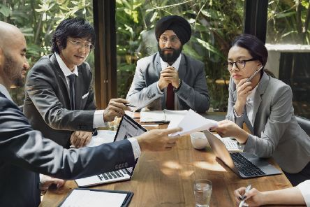 People with a diversity of backgrounds are collectively better at lateral thinking