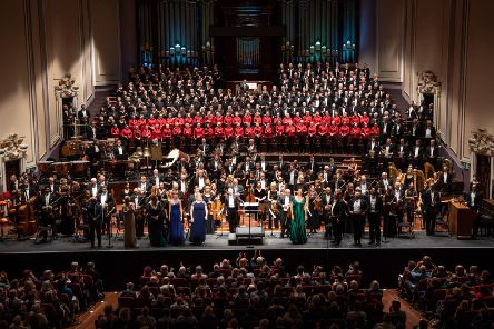 Not one inch of space was left unfilled on the Usher Hall stage