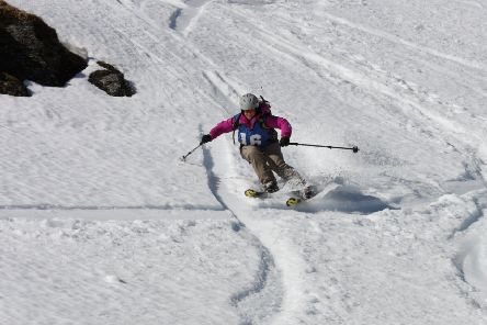Katie Small, on her way to winning the Lawers of Gravity freeride contest in 2016.