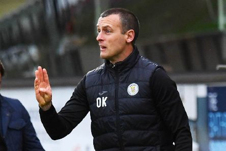 St Mirren manager Oran Kearney signals to his players at Tannadice. Picture: Craig Williamson/SNS