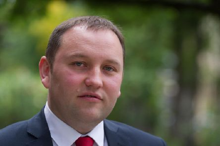Ian Murray has secured the backing of Jess Phillips and Liz Kendall.