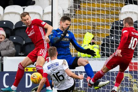 St Mirrens Sam Foley gets in the way of an Aberdeen chance created by Ryan Hedges and Niall McGinn