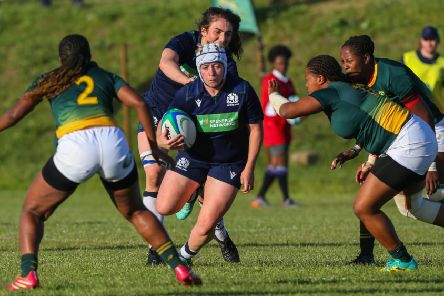 Lana Skeldon in possession against the Springboks (picture by Scottish Rugby / Carl Fourie).