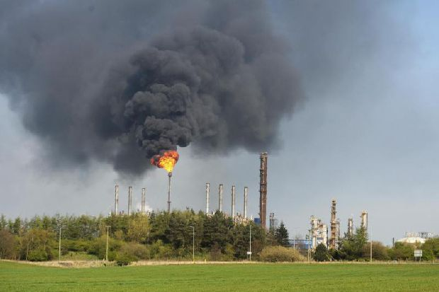 Fury as Mossmorran chemical plant flares again