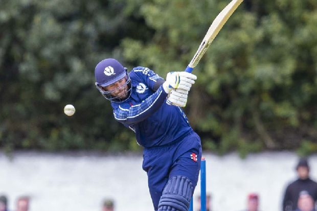 Scotland must aim for 350 to have a chance says Craig Wallace