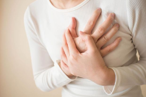 Cardiac arrest for women: the female-specific signs you should know about