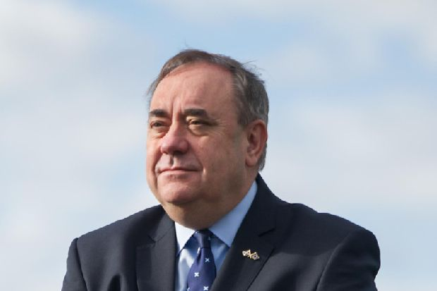 Alex Salmond urges Cineworld to 'think again' and screen Robert the Bruce epic in Scotland