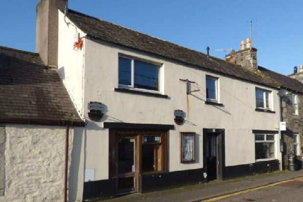 Three-bedroom seaside house with shop in Scotland goes under the hammer - for just £1