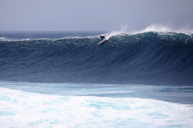 Scottish surfer, 15, rides monster wave in aftermath of Storm Ciara