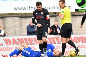 David Goodwillie about to be red-carded by referee Steven Kirkland (pic: Duncan Brown)